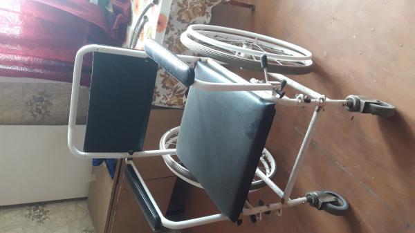 Продаётся инвалидная кресло-коляска